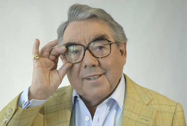 Ronnie Corbett Dead: 'Extras' Star Ricky Gervais And David Walliams Lead Tributes