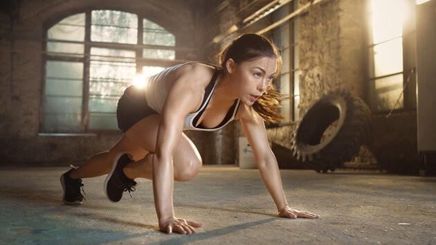 Mountain Climbers Are The Full Body Exercise You Can Do Anywhere