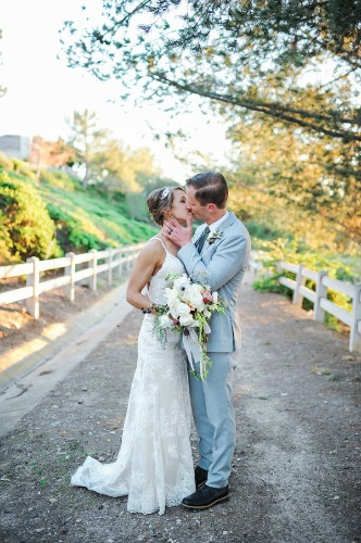 13 Sweet Weekend Wedding Moments That'll Add Some Romance To Your Monday