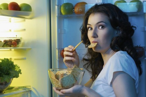 Late-Night Snacking May Have A Surprising Effect On Your Memory