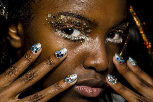 How To Remove Glitter Makeup Without Wrecking Your Skin
