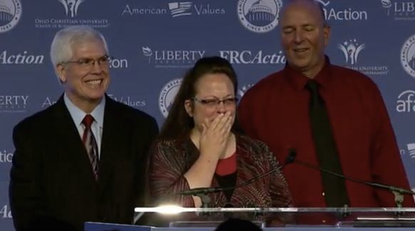 Kim Davis Gets An Award For Breaking The Law To Discriminate Against Gay People