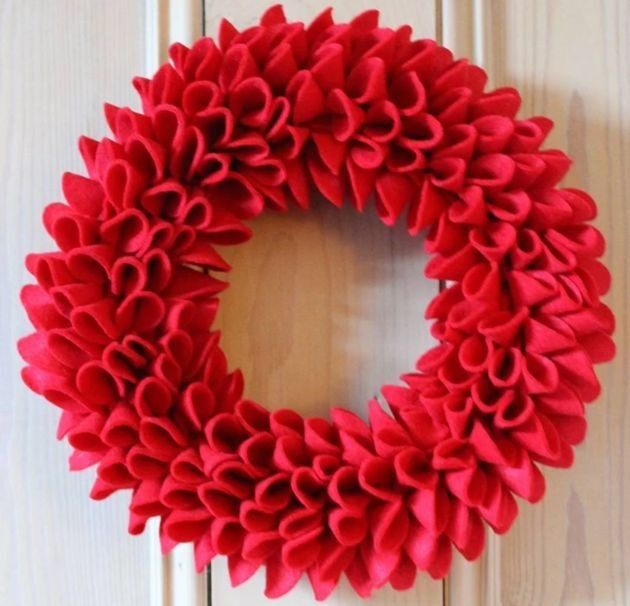 The Best Christmas Wreaths Of 2018: Decorate Your Door For Festive Cheer