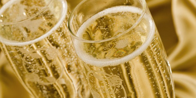 The Difference Between Champagne And Sparkling Wine, Explained | HuffPost Life