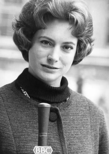 Nan Winton: BBC's First Female News Reader Dies Aged 93