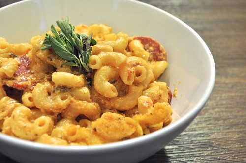 This Pizza Mac and Cheese Changes the Game