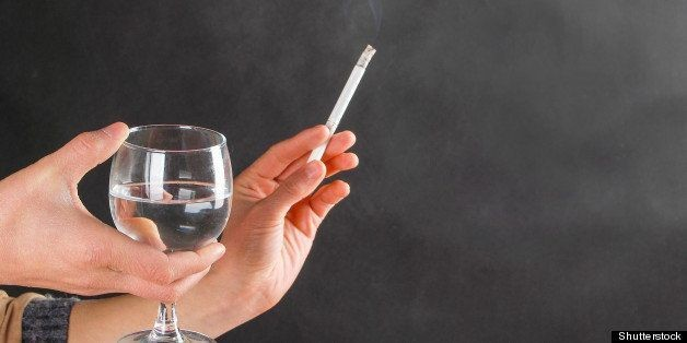 Smoking Plus Heavy Drinking Speed Cognitive Decline, Study Finds