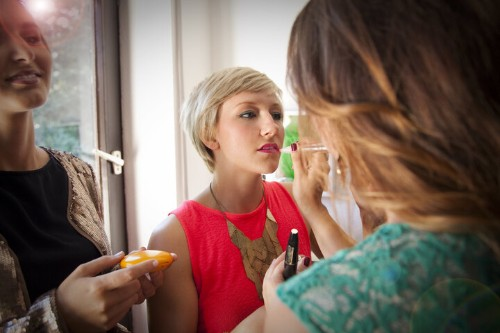 You Can Catch The Flu From Your Makeup. Here's How To Avoid It. | HuffPost Life