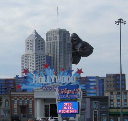 Invisible Traveler: Pigeon Forge & Smoky Mountains