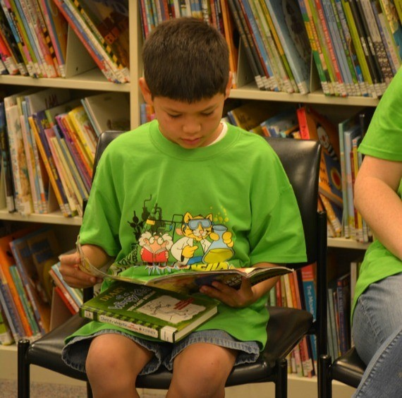 Raising Kids Who Love Reading, Devour Books Voraciously, and Practically Beg for a Trip to the Library