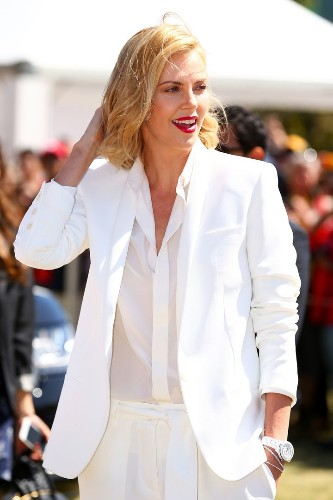 5 Fashion Icons Show You How To Rock A White Button-Down Shirt | HuffPost Life