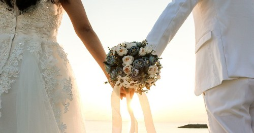 Destination Weddings: Getting Married Abroad? Here's What To Consider