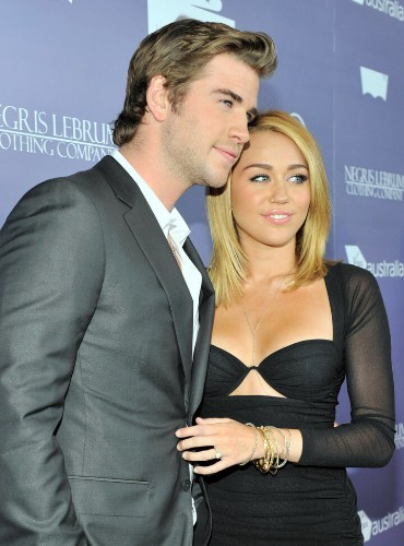 Miley Cyrus Is Wearing Her Engagement Ring From Liam Hemsworth Again
