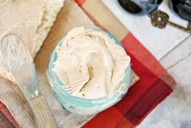 Homemade Texas Roadhouse Butter
