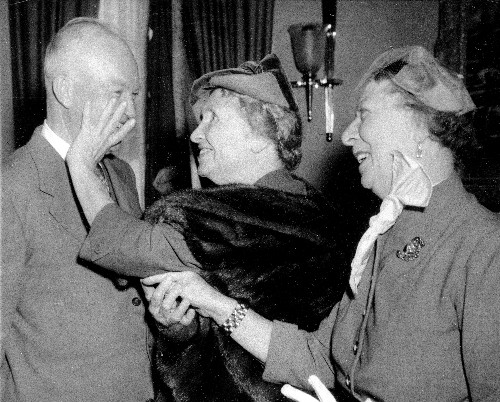 Helen Keller Met Charlie Chaplin In 1919, And The Rest Was History