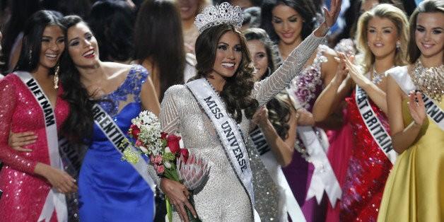 Miss Universe Winner 2013, Gabriela Isler, Stuns In A Silver Dress (PHOTOS)   HuffPost Life