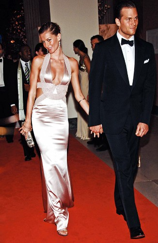 Here's What Gisele Bᅢᄐndchen and Tom Brady Eat -- Yes, It's Ridiculously Strict