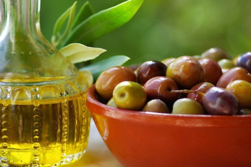 Oleocanthal, Compound In Extra Virgin Olive Oil, Could Protect Against Alzheimer's Disease