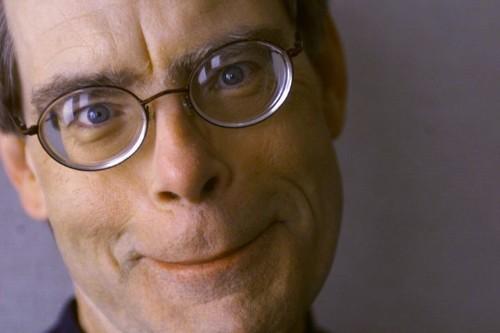 Stephen King's Anti-Trump Tweets Are Amazingly Relentless
