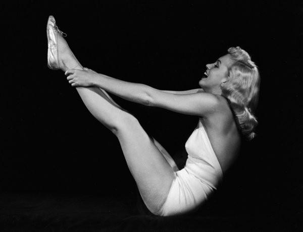 Just A Reminder That Marilyn Monroe Was A Badass Yogi