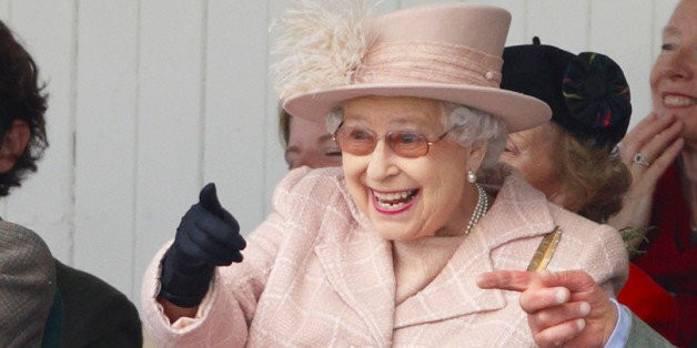 Queen Elizabeth II Will Only Wear Essie Ballet Slippers On Her Nails   HuffPost Life