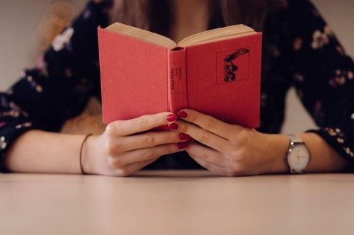 I'm A Teenager And I Don't Like Young Adult Novels. Here's Why.