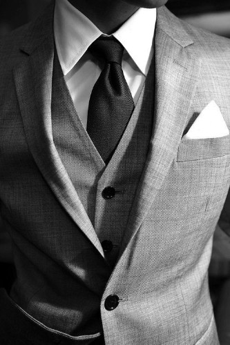 Suit Up: 3 Ways to Tell If Your Suit Fits