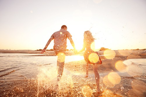 The 8 Daily Habits of Wildly-Happy Couples