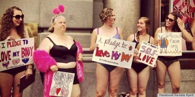 Victoria's Secret Protest In Bras Outside California Store Demands Body Diversity (PHOTOS) | HuffPost Life