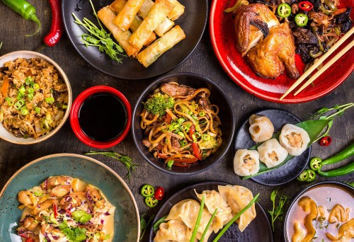 The Reason Jews Eat Chinese Food On Christmas Is Rooted In Solidarity