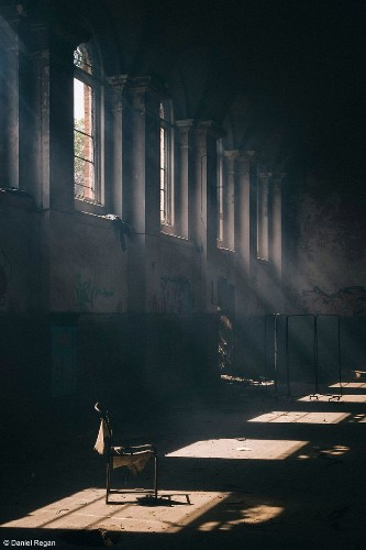 Creepy Photos Of Abandoned Insane Asylums Will Keep You Up At Night | HuffPost Life