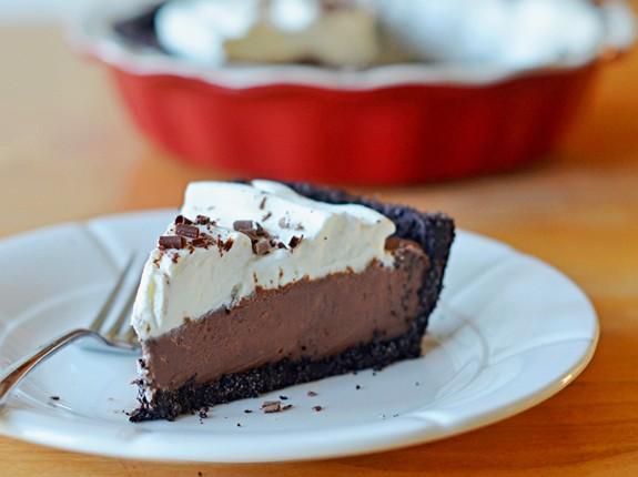 Pumpkin Pie, Pavlova & More: 15 Fabulous Thanksgiving Desserts