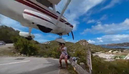 WHOA! Photographer Almost Decapitated By Plane Landing At Gustaf III Airport On St. Barts | HuffPost Life