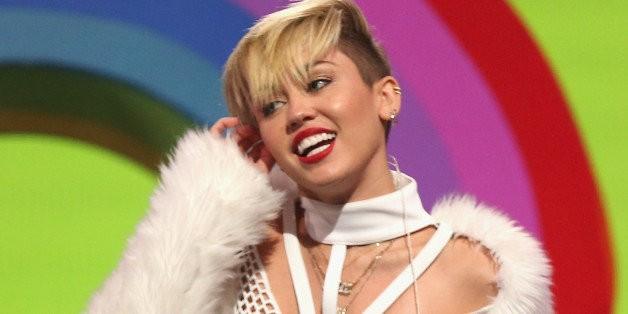 Lisa Katnic, Miley Cyrus' Stylist, Says 'Stoner' Style Is The New 'Ratchet' Style