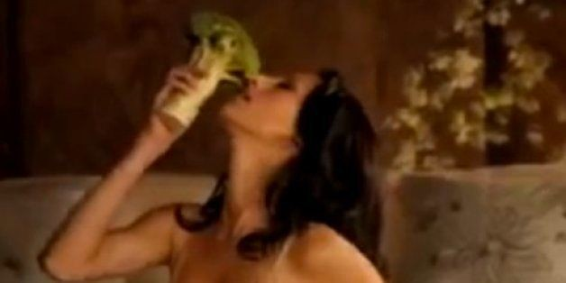 20 Banned Super Bowl Commercials That Never Aired During The Big Game (VIDEOS)