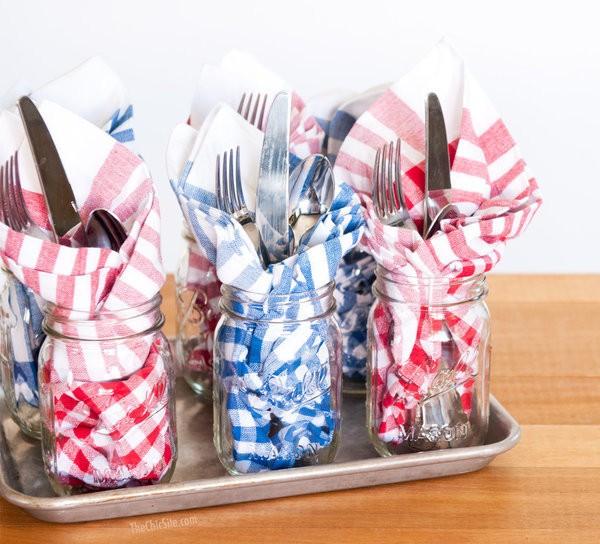 10 Ways Mason Jars Make Cookouts Better