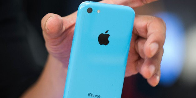 Apple Cuts Orders For iPhone 5C, Suggesting Many Aren't Buying It
