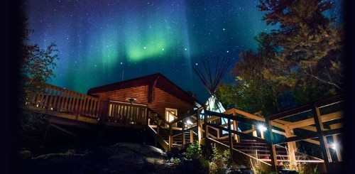 The 6 Best Places To See The Northern Lights | HuffPost Life