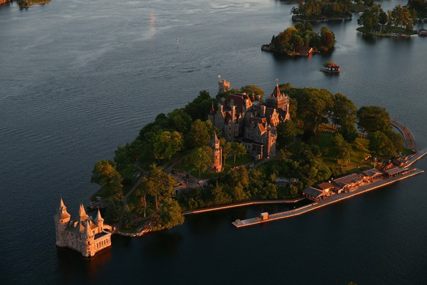 Discovering the Thousand Islands in New York State and Ontario, Canada