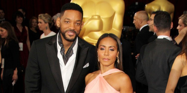Jada Pinkett Smith Shares 'Sexy' Photo That Will Smith Took While She Was Asleep