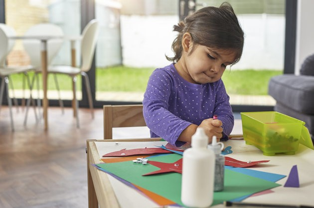 5 Easy Paper Craft Projects To Make With The Kids