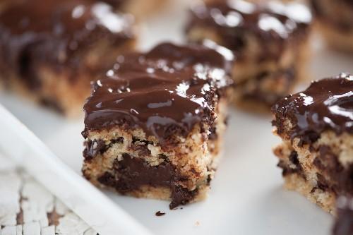 Dark Chocolate Ritz Bars: 3 Ingredient Dessert Hero!