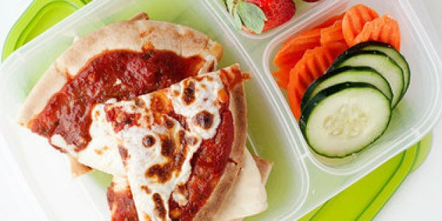 School Lunch Project: Easy Pita Pizzas | HuffPost Life