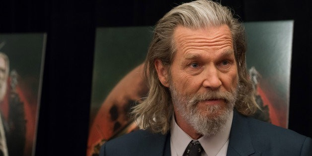 Jeff Bridges Still Has The Jelly Sandals From 'The Big Lebowski'