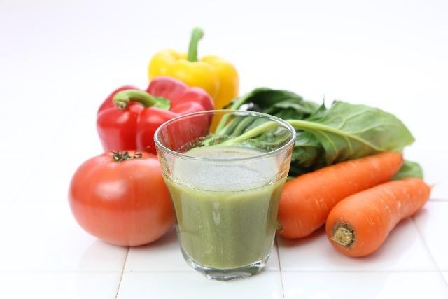 飲み方を間違えるとデブまっしぐら!?野菜ジュースの正しい飲み方