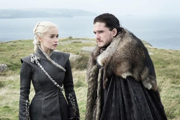 Game Of Thrones' Emilia Clarke Defends Daenerys' Low-Key Reaction To Jon Snow Revelation