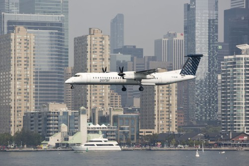 2 Injured After Porter Airlines Aircraft Forced To Evade 'UFO' Over Lake Ontario