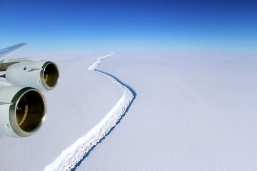 'Significant' New Rift Could Sever Massive Iceberg From Antarctica