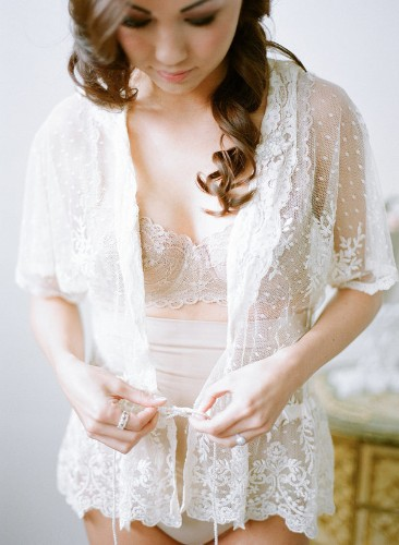 25 Bridal Boudoir Photos That Are As Sultry As They Are Sweet