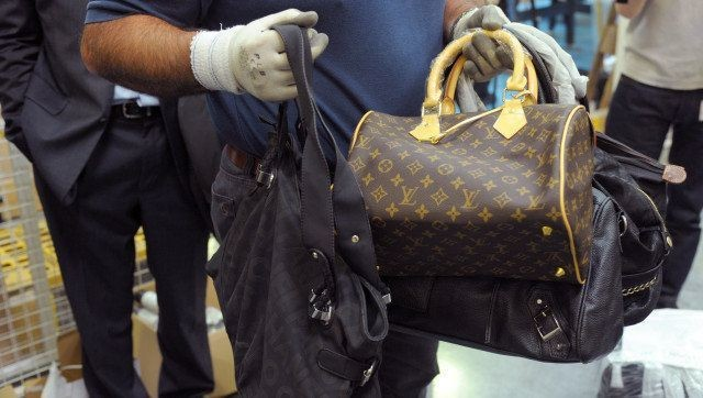 NYC Counterfeit Fine In Works Would Charge Shoppers $1K   HuffPost Life